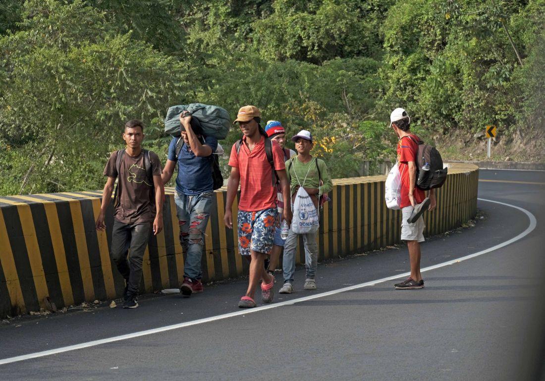 Venezolanos indocumentados no recibirían la vacuna contra el Covid-19