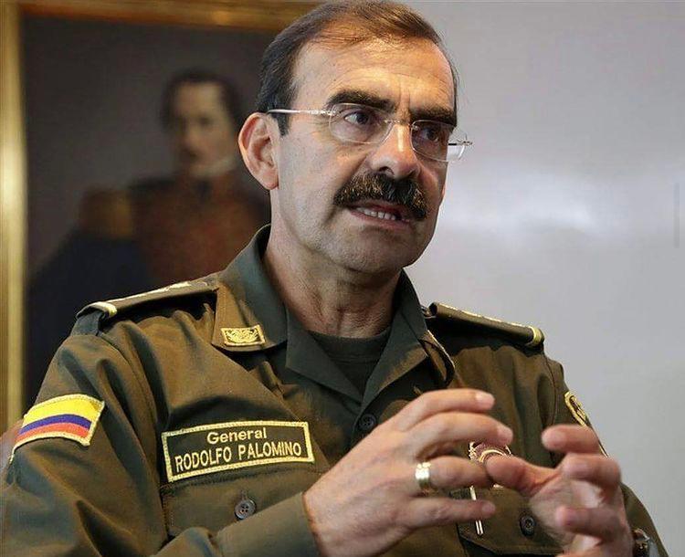 Procuraduría destituye e inhabilita por 13 años al general Rodolfo Palomino