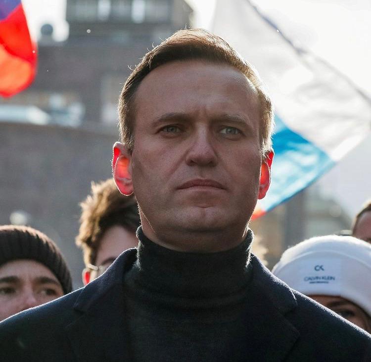Condenan al opositor ruso Alexei Navalny a tres años y medio de prisión