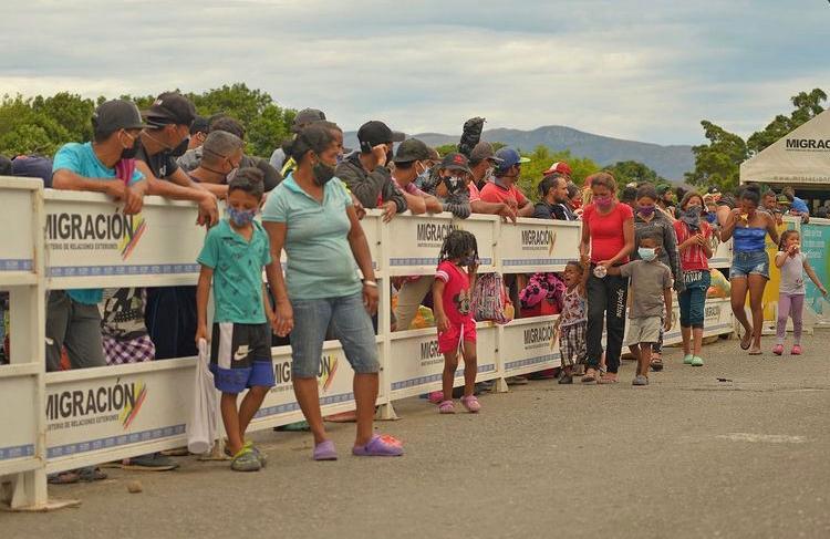 Presidente Iván Duque afirma que migrantes deben ingresar por un puesto fronterizo para ser regularizados