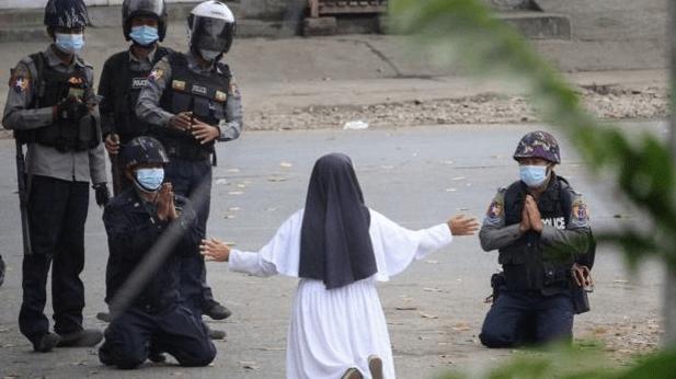 «¡Matadme a mí y no a los niños!»: la monja que enfrentó a militares en Birmania