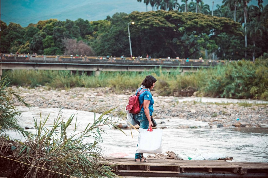 Regularización de los venezolanos: ¿qué la motiva y qué efectos tiene?