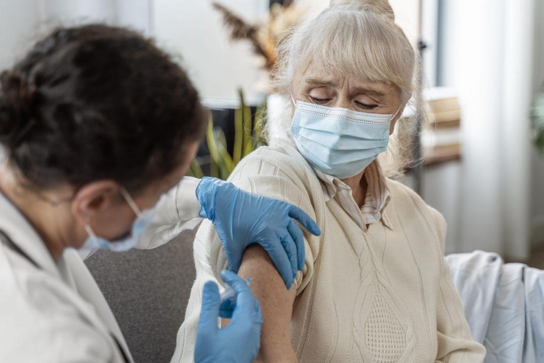 Personas entre los 50 a 54 años podrán vacunarse sin agendar cita