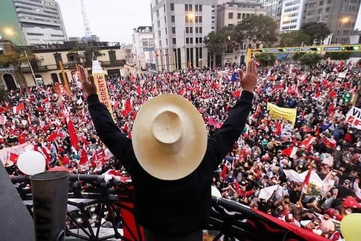 Proclaman a Pedro Castillo como presidente electo de Perú