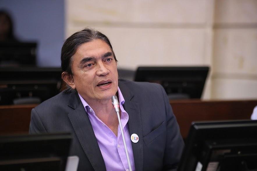 Gustavo Bolívar pierde batalla legal contra Bruno Díaz, quien lo acusó en video de estafar a su hijo suicidado