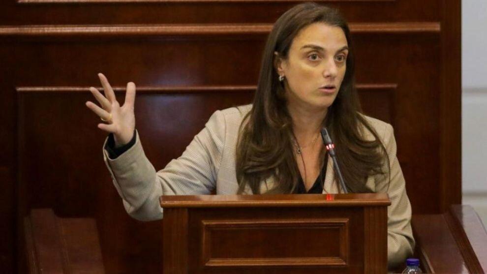 ¿Qué opinan las nuevas generaciones sobre la salida de la ministra Karen Abudinen?