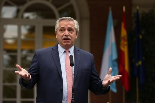 Gobierno argentino, en crisis tras debacle electoral