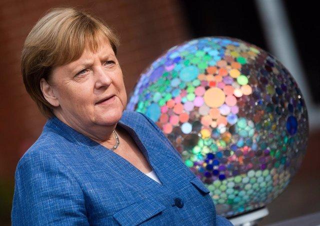 Merkel se despide como una líder fiable a ojos de la comunidad internacional, según un sondeo
