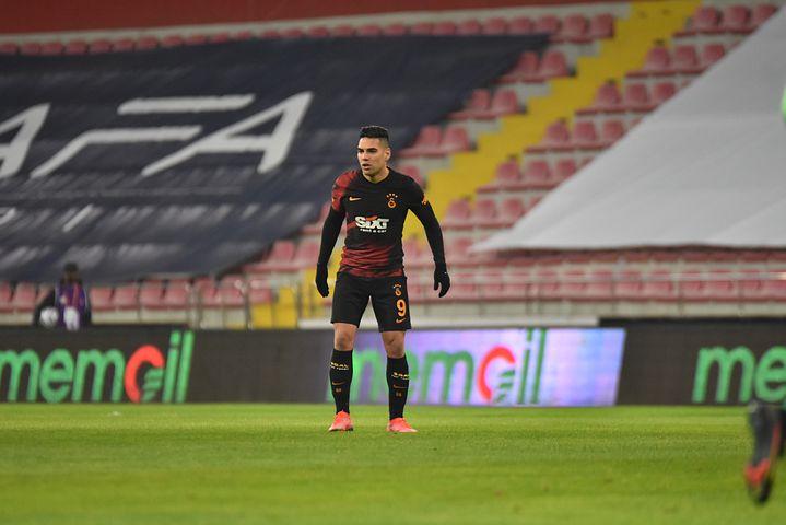Por el sueño de Catar, Falcao ficha por un club modesto de España